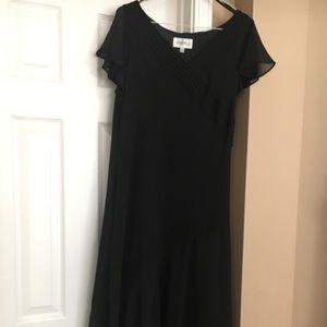 Studio 1 women's black high-low style dress